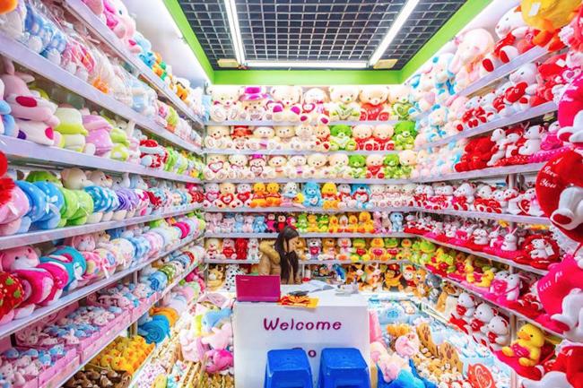 nhập hàng đồ chơi trẻ em tại các chợ đầu mối
