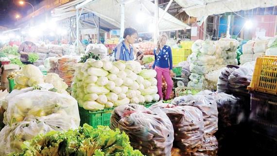 chợ đầu mối nông sản hóc môn