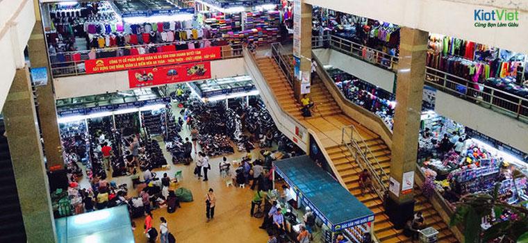 Chợ Đồng Xuân mở cửa từ 8h sáng đến 18h tối