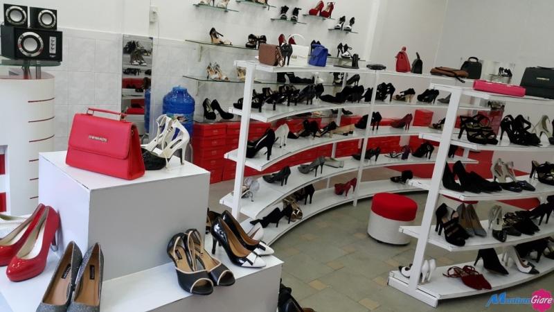 Kho bán sỉ giày dép nữ Quảng Châu