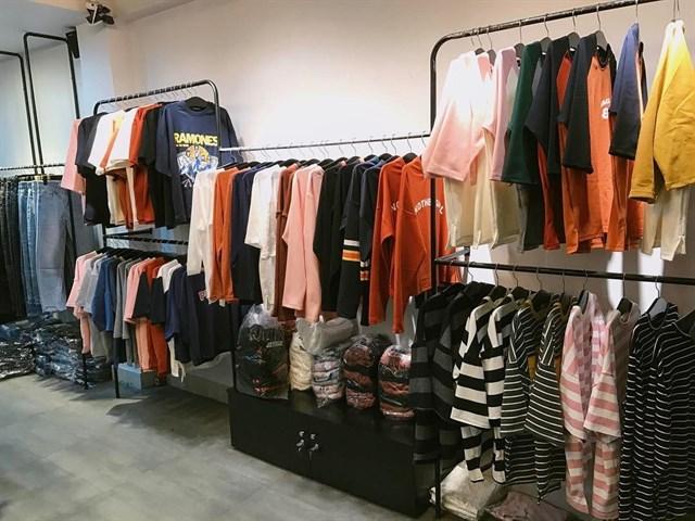Top 10 kinh nghiệm mua sỉ quần áo giúp bạn khôn ngoan hơn