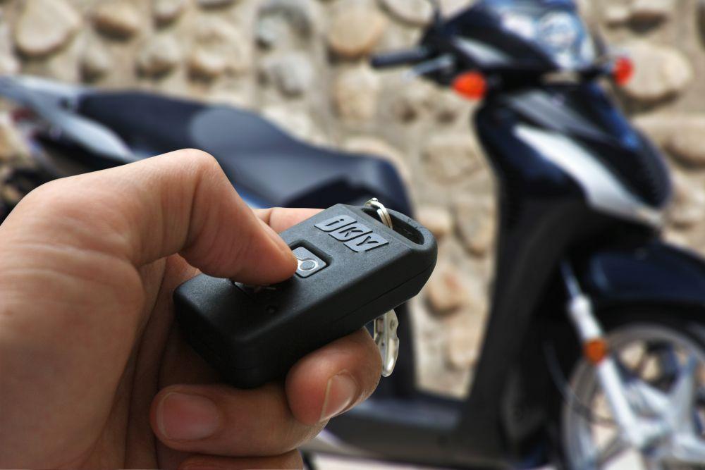 khóa Từ xe máy là gì? Một số loại phổ biến