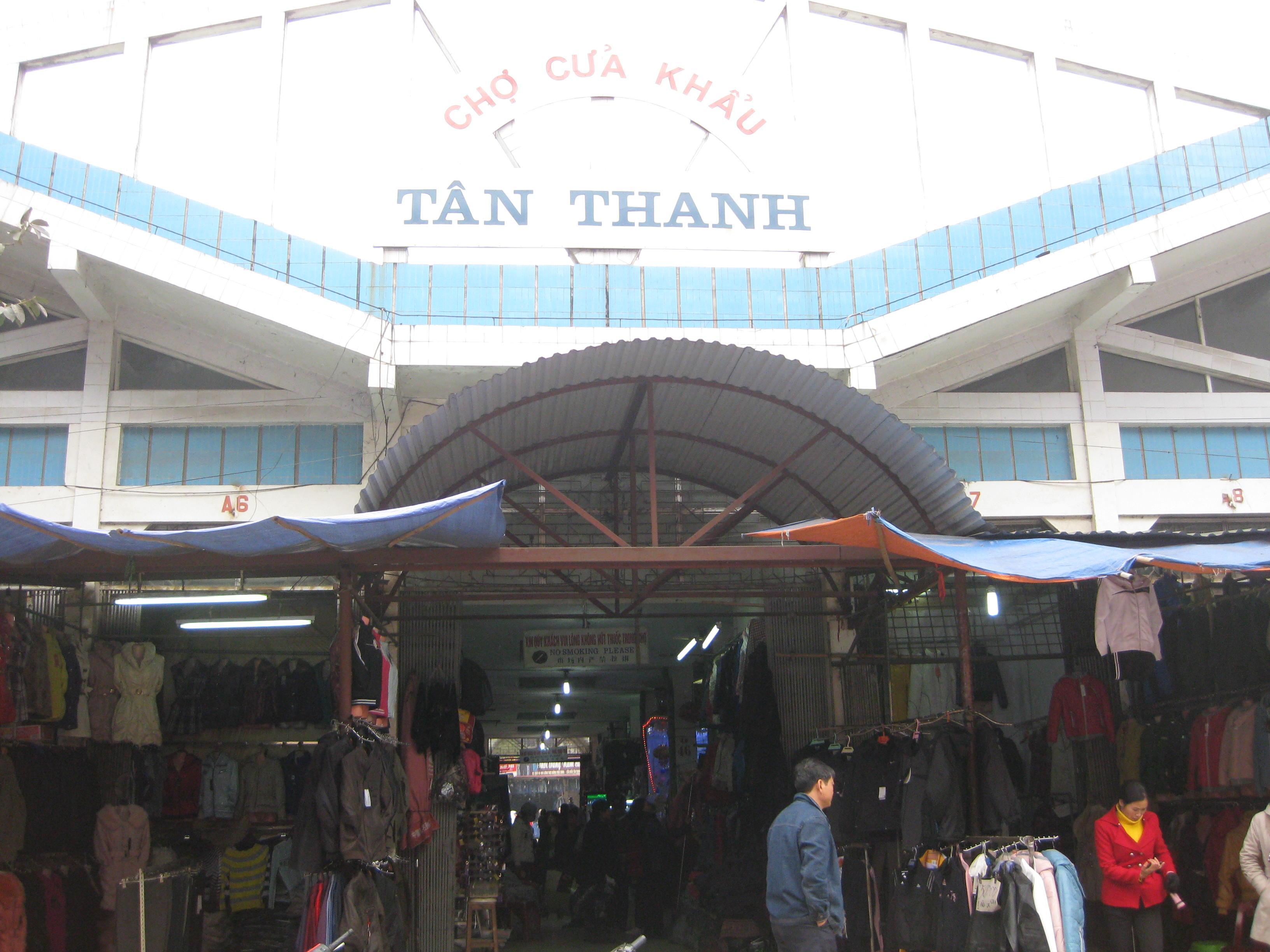 """Mua sắm """" thả ga"""" ở chợ Tân Thanh Lạng Sơn - Vntrip.vn"""