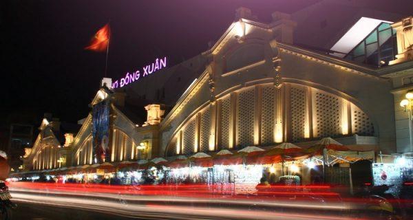 Chợ Đồng Xuân - một chợ bán sỉ không còn xa lạ với lái buôn phụ kiện điện thoại